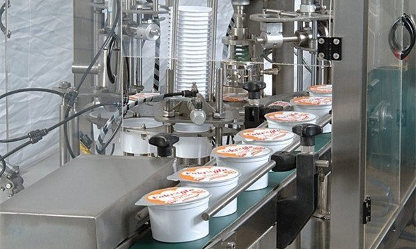 Автоматическая машина для наполнения и упаковки мороженого